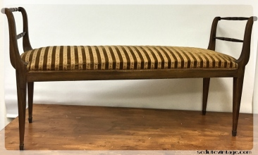 Panca con piedini ottonati - Bench with brass feet